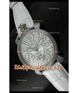 Reloj manual japonés GaGa Milano con esfera metálica y bisel diamante